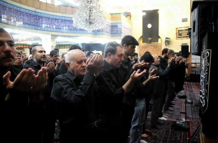تصاویر/ نماز ظهر تاسوعا مسجد جامع ابوذر