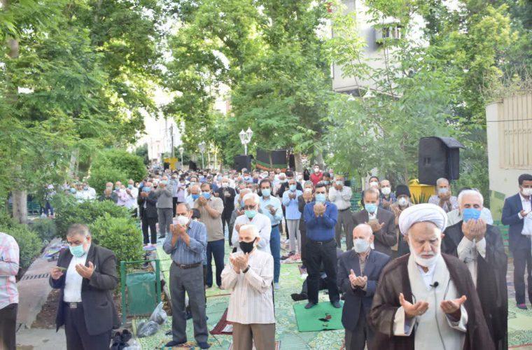 نماز عید فطر به امامت حجتالاسلام والمسلمین مطلبی در پارک شهدای گمنام